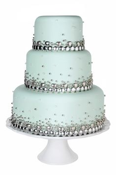 Wedding cake with bling! Bling Wedding Cakes, Bling Cakes, Wedding Cakes With Cupcakes, Fancy Cakes, Cupcake Cakes, Girly Cakes, Beautiful Wedding Cakes, Gorgeous Cakes, Pretty Cakes