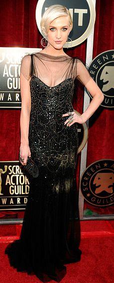 2012 SAG Awards: Ashlee Simpson in Jenny Packham - reminds me of the 20's era