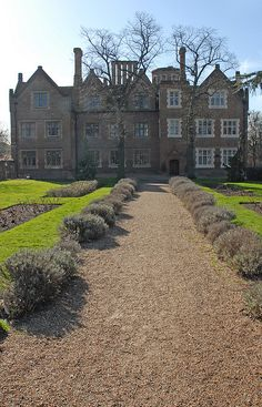Eastbury manor house by garymiles, via Flickr