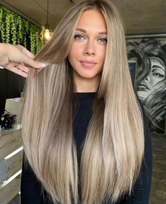 Honey Blonde Hair, Blonde Hair Looks, Blonde Hair With Highlights, Ashy Blonde, Blonde Hair Dyed Brown, Beige Blonde Hair Color, Cheveux Beiges, Brown Hair Balayage, Hair Color And Cut
