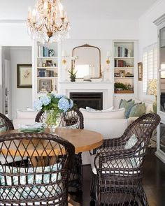 Gorgeous 48 Newest Traditional Living Room Designs Ideas For You. City Living, My Living Room, Home And Living, Living Room Decor, Living Spaces, Ralph Lauren Home Living Room, Hamptons Living Room, Formal Living Rooms, Style At Home