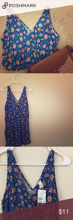 ⬇️NWT. Floral M romper. H&M. NWT. Floral M romper. H&M. Two side pockets. 100% viscose. Blue with peach colored flowers. 💕Pls SHARE the love! 💕 H&M Other