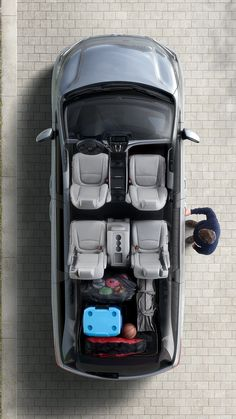 The Honda Odyssey with and seats that fold down to expand your cargo space is ideal for you to load all your things. Perfect for Get Organized Week! Honda Van, Van Organization, Honda Odyssey, Car Car, Jdm, Dream Cars, The Row, Dream Book, Minivan
