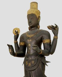 Statue of Vishnu (bronze)  Thai school,14th century  National Museum,Bangkok,Thailand