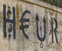Jacques Villeglé, archéologue du chaos urbain, est surtout connu pour ses affiches lacérées, traces anonymes d'une ville en perpétuel renouvellement. Il s'intéresse aux mots qui émergent des déchirures du papier. A partir de 1969, il repère les symboles... Graffiti, Symbols, Brown, Urban, Posters, City