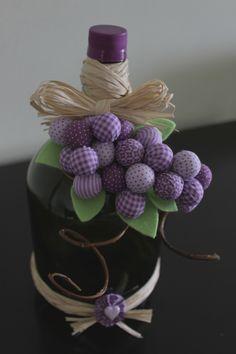 Podemos usar o garrafão de várias maneiras: abajur, luminária, como protetor para bolos, na decor com flores, pintados, como artesanato de b...