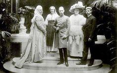 Queen Elisabeth of Romania, Crown Princess Marie, Prince Carol, Princess Elisabeth, and Prince Wilhelm of Prussia.