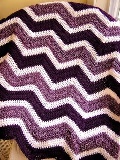chevron zig zag baby blanket crochet knit afghan wrap lap wheelchair ripple stripes lion brand VANNA WHITE yarn purple white made in the USA