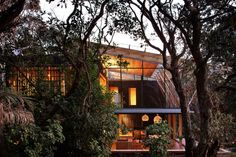 Under Pohutukawa Beach House by Herbst Architects | HomeDSGN