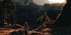 Wish I had the time to go more often. Hiking in the backcountry has actually been proven to make you live longer. Take a look at some of the lesser known benefits of the backcountry. Sleep Apnea In Children, Voyager Seul, Jolie Photo, Girl Falling, Travel Alone, Nature Photos, Health Benefits, Nature Photography, Hiking