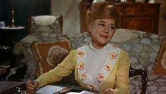 Glynis Johns as Winifred Banks / Mrs. Julie Andrews Mary Poppins, Mary Poppins Movie, Mary Poppins 1964, Mary Poppins Costume, My Fair Lady, Old Movies, Vintage Movies, Mary Poppins Disfraz, Glynis Johns