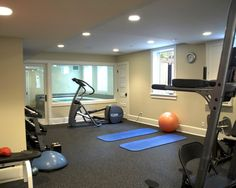 A home gym can be a great convenience. However, coming up with the perfect home gym design to suit personal preferences can be a challenge. The best home gym design increases the chance of achievin… Home Gym Design, Home Design Decor, Design Ideas, Design Trends, Interior Design, Basement Gym, Basement Ideas, Garage Gym, Basement Designs