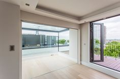 Spot our discreet blackout blinds in this Notting Hill glass box extension! Electric Blinds, Function Room, Blackout Blinds, Grand Designs, Glass Roof, Glass Boxes, Roller Blinds, Steel Frame, Minimalism