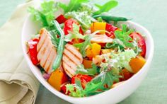 Heart-healthy meals can help prevent heart disease. Read more to find tips on how to cook heart-healthy, yet delicious meals for your entire family. Grilled Chicken Salad, Healthy Chicken, Grilled Tuna, Skinny Chicken, Roasted Chicken, Chicken Recipes, Healthy Salads, Healthy Eating, Healthy Recipes