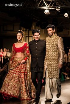 Manish Malhotra at India Couture Week Bridal Collection titled Portraits ! Manish Malhotra Bridal, Bridal Lehenga, Manish Malhotra 2014, Bridal Gown, Mode Bollywood, Bollywood Fashion, Indian Dresses, Indian Outfits, Indian Clothes