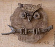 Fair Masters - p . - Wood How to Crafts Wooden Owl, Wooden Animals, Wooden Desk, Wood Slice Crafts, Wooden Crafts, Driftwood Projects, Driftwood Art, Owl Crafts, Wood Creations