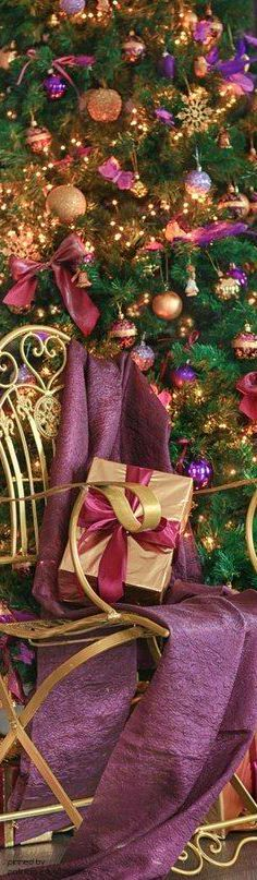 Shabby Chic And Everything Nice Purple Christmas, Elegant Christmas, Noel Christmas, A Christmas Story, Christmas 2017, Christmas Colors, All Things Christmas, Beautiful Christmas, Christmas And New Year