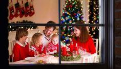Niech pierwsze święta twojego dziecka będą wyjątkowe! Choć za rok niewiele będzie już z nich pamiętać, postaraj się, by poczuło magię tego czasu i uległo jego urokowi. Ikoniecznie zaproś maluszka do stołu