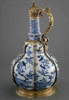 In the sixteenth century, Chinese porcelain occasionally arrived in England. As it was very rare and considered a special treasure, the most accomplished English silversmiths were often commissioned to make mounts for it. c1585