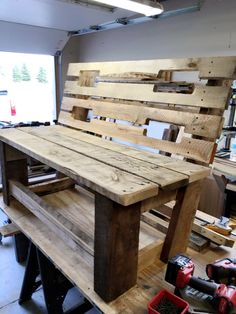 Custom Pallet Bench - 300+ Pallet Ideas and Easy Pallet Projects You Can Try
