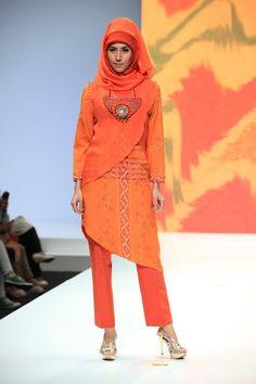 Fashion Parade (Look Up, Yuyuk Nurmansyah, Nieta Hidayani, Malik Moestaram, Dian Pelangi, Alphiana Chandrajani) - Indonesia Islamic Fashion Fair 2013