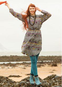 """Dank des losen Bindegürtels lässt sich dieses Kleid schön variieren. Bestelle dein """"Edda"""" Kleid aus Leinen/Baumwolle: http://www.gudrunsjoeden.de/mode/produkte/kleider/kleid-edda-aus-leinen/baumwolle"""