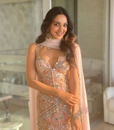 Indian Fashion Dresses, Indian Designer Outfits, Designer Dresses, Fashion Outfits, Lehenga Designs, Bollywood Dress, Bollywood Fashion, Indian Wedding Outfits, Indian Outfits