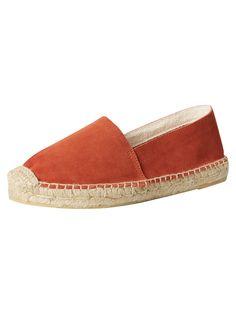 Espadrilles - Der perfekte Schuh für die ersten schönen Tage im Jahr. Vero Moda überzeugt uns mit einem Modell in Orange @ABOUT YOU http://www.aboutyou.de/p/vero-moda/espadrilles-wildleder-2257209?utm_source=pinterest&utm_medium=social&utm_term=AY-Pin&utm_content=2016-04-KW-15&utm_campaign=Shoe-Board
