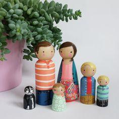 Custom peg family of 6 // personalized peg dolls // modern doll house // custom family portrait // wooden dolls