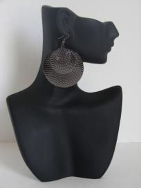 https://www.dolcevitaapparel.com/ Full Moon Earrings