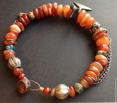 Купить Бусы СИМУРГ - разноцветный, амулет, птица счастья, вечность, дорогое украшение, антикварные бусины