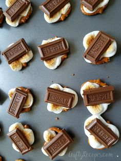 Easy S'more Pretzel Bites - These are delicious for a summer dessert!