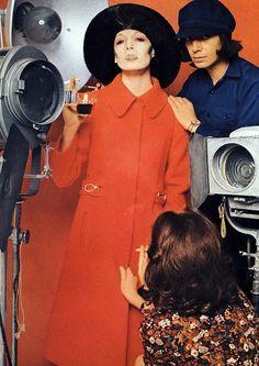 Anjelica Huston in Lanvin. Photo by Bob Richardson. Vogue Paris, September 1971