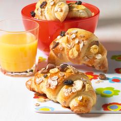 Müsli-Quark-Hörnchen - Gewickelte Frühstücksbrötchen zum Picknick oder Brunch