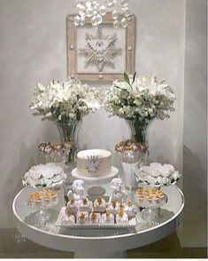 1 million+ Stunning Free Images to Use Anywhere Communion Decorations, Baptism Decorations, Birthday Party Decorations, Table Decorations, Christening Present, Personalized Birthday Gifts, 40th Birthday Parties, Birthday Design, First Communion