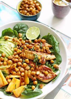 Try this sałatka z kurczakiem, awokado, cieciorką i nektarynką recipe, or contribute your own. Gluten Free Recipes, Cobb Salad, Free Food, Cantaloupe, Food And Drink, Fruit, Vegetables, Cooking, Kitchen