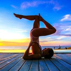 Beautiful Pose Yoga Photography Beautiful Pose Yoga PhotographyYou don't need to be flexible to do Yoga. Yoga is beneficial for your entire body and brain. It can help Yoga Images, Yoga Pictures, Ashtanga Yoga, Yoga Challenge, Yoga Inspiration, Yoga Fitness, Esprit Yoga, Photo Yoga, Yoga Nature
