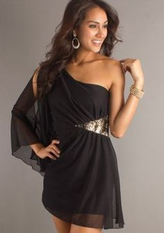 korte zwarte afstuderen jurken met een lange steile mouw