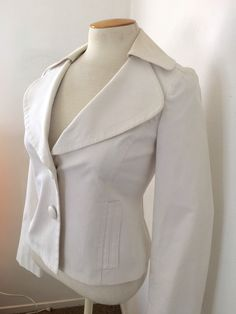 699110f7 White Cotton Pique Two Button Short Jacket With Large Round Lapel Collar  Side Pockets Small