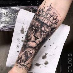 33 Cool Small Wrist Tattoos For Guys Wrist Tattoos For Guys, Cool Tattoos For Guys, Small Wrist Tattoos, Trendy Tattoos, Small Lion Tattoo, Leo Tattoos, Black Tattoos, Body Art Tattoos, Hand Tattoos
