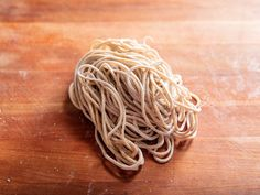 Making low-hydration alkaline ramen noodles can be difficult without a professional's noodle machine at your disposal, but with a little patience, you can master it. Ramen Noodle Recipes Homemade, Hot Ramen, Ramen Broth, Protein Bread, Pasta Machine, Ramen Noodles, Asian Noodles, Serious Eats, Cooking Time