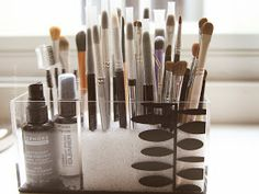 Lady By The Bay: Makeup Brush Cleaning and Storage Tips