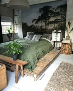 LOVE the idea of putting the mattress on pallets