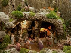 Automatic Image Montage with jQuery Christmas Nativity, Merry Christmas, Xmas, Birthplace Of Jesus, Learning Italian, Deck The Halls, Housekeeping Uniform, Christmas Decorations, Nativity Sets