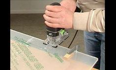 PLEXIGLAS® sägen  http://www.selbst.de/bauen-renovieren-artikel/elektro-lampen-leuchten/praxis-video-zuschnitt-von-acrylglas-100398.html