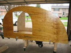 Slideshow of the construction of my teardrop trailer. If you're thinking of building a teardrop trailer a great site to visit is www.mikenchell.com