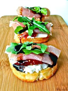 Prosciutto, Goat Cheese and Fig Jam Crostini with Balsamic Reduction . Perfect f… Prosciutto, Goat Cheese and Fig Jam Crostini Easter Appetizers, Appetizer Recipes, Recipes With Goat Cheese Appetizers, Easter Recipes, Recipes Dinner, Goat Cheese Bruschetta Recipe, Easy Summer Appetizers, Bruchetta Recipe, Goat Cheese Pizza