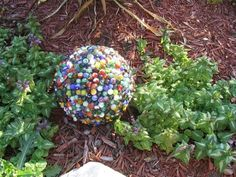 Garden decoration ideas with bowling balls