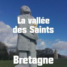 La Vallée des Saints en Bretagne : une visite insolite et gratuite ! Week End France, Bike Packing, Saints, California Beach, Loire