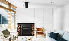 With a wish to have a relaxed coastal retreat for her family of four, Shareen Joel Design was faced with a brief that called for a design that was casual, had plenty of room for entertaining family and friends,